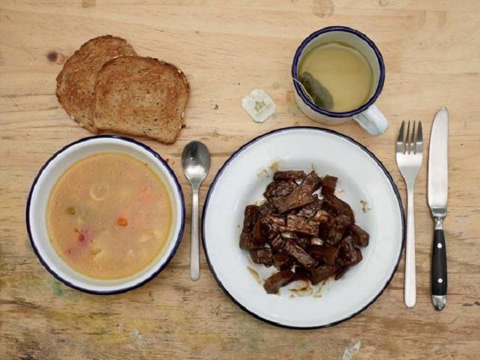 10-sriuba-mesa