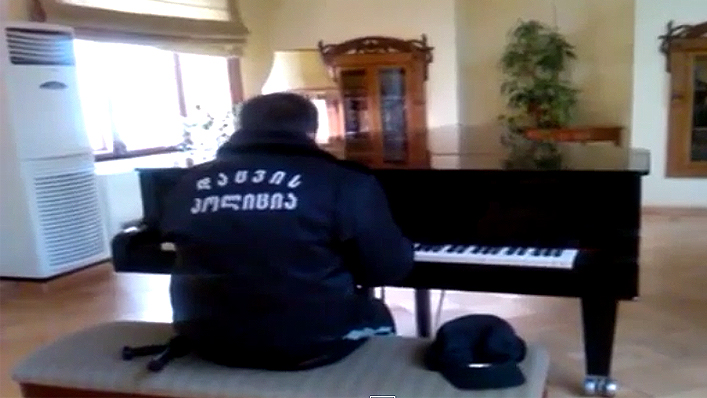 apsauginis-groja-pianinu